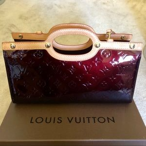 LOUIS VUITTON Monogram Vernis Roxbury Drive